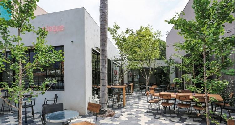 Dine Al Fresco in the District